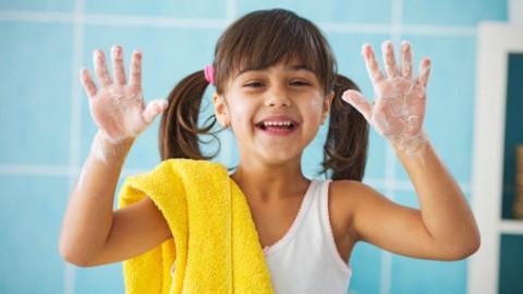 Ignaz Semmelweis: ecco come è nata la buona abitudine del lavarsi le mani.